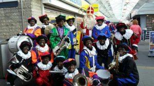 Optreden Pietenband @ Winkelcentrum Hesseplaats Rotterdam